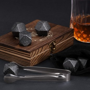 Kamienie do whisky kostki w drewnianym opakowaniu grawer Monogram