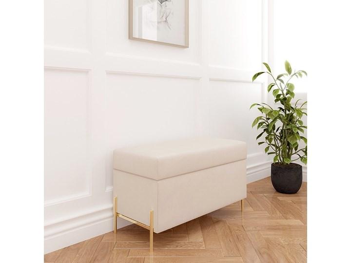 Beżowa tapicerowana ławka Dancan BORGO z pojemnikiem, na złotych metalowych nogach Pomieszczenie Salon Styl Nowoczesny