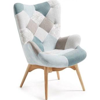 Fotel patchworkowy Kody niebieski i nogami z litego buku