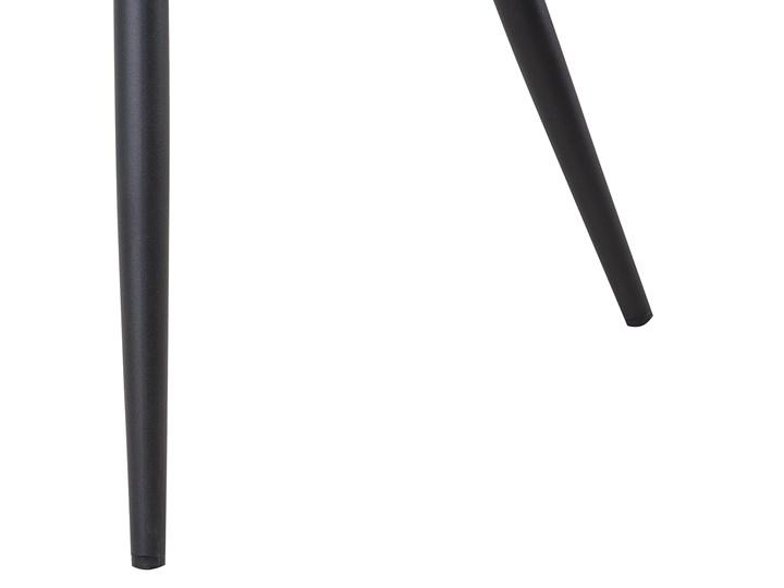 Zestaw 2 krzeseł niebieskich tapicerowanych z metalowymi czarnymi nogami do jadalni styl nowoczesny industrialny Szerokość 44 cm Głębokość 56 cm Wysokość 86 cm Tkanina Pomieszczenie Jadalnia Drewno Tworzywo sztuczne Pikowane Tapicerowane Styl Vintage