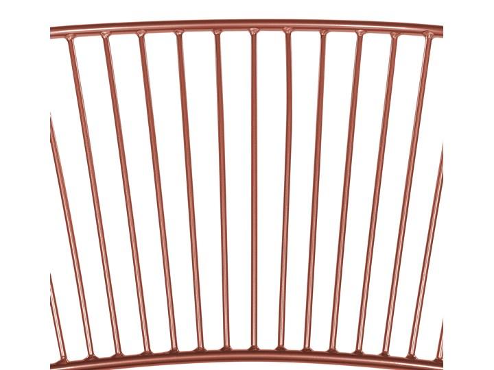 Zestaw 2 krzeseł miedzianych metalowych z czarnymi poduszkami na siedzisko z ekoskóry styl nowoczesny Głębokość 49 cm Skóra ekologiczna Wysokość 77 cm Skóra Pomieszczenie Jadalnia Szerokość 54 cm Tworzywo sztuczne Styl Industrialny