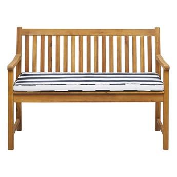 Ławka ogrodowa jasne drewno akacjowe dwuosobowa 120 cm z niebieską poduszką w paski na taras balkon klasyczny design Beliani
