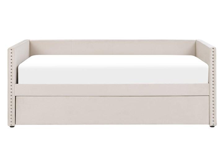 Łóżko wysuwane jasnobeżowe welurowe 80 x 200 cm ze stelażem leżanka ozdobne ćwieki glamour Łóżko tapicerowane Kolor Beżowy Kategoria Łóżka do sypialni