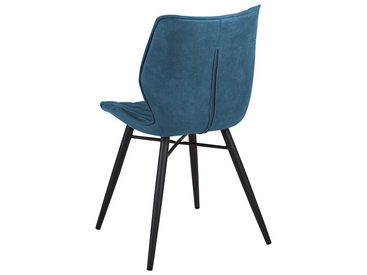 Zestaw 2 krzeseł niebieskich tapicerowanych z metalowymi czarnymi nogami do jadalni styl nowoczesny industrialny Tworzywo sztuczne Pikowane Szerokość 44 cm Głębokość 56 cm Pomieszczenie Jadalnia Wysokość 86 cm Tkanina Drewno Tapicerowane Styl Vintage
