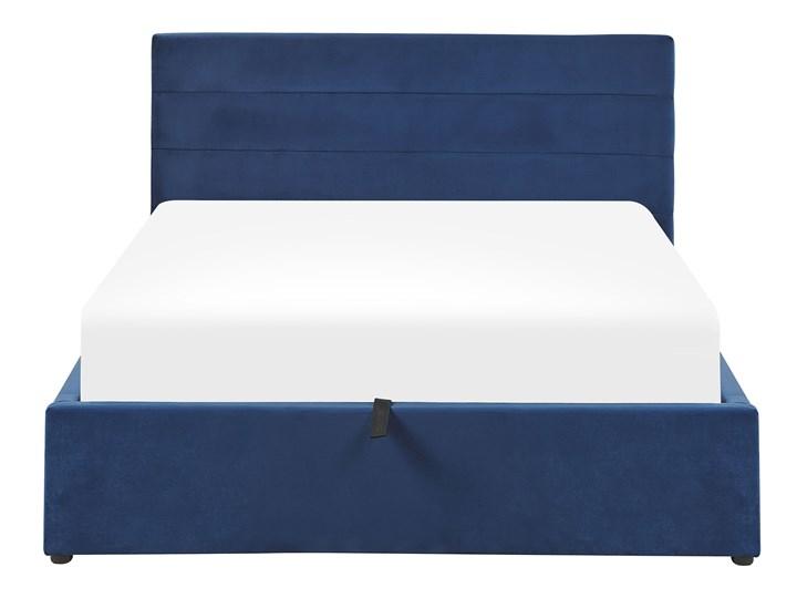Łóżko ciemnoniebieskie welurowe 140 x 200 cm z pojemnikiem ze stelażem prostokątny zagłówek glamour Łóżko tapicerowane Kategoria Łóżka do sypialni