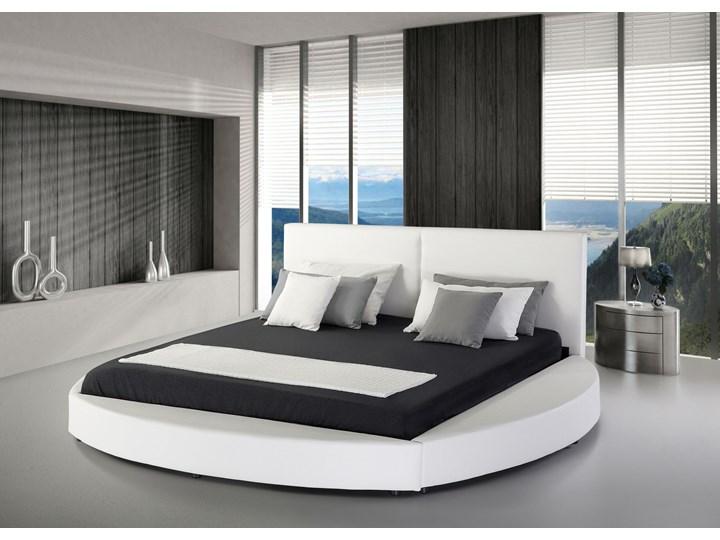Łóżko białe skórzane 180 x 200 cm ze stelażem okrągła rama wysokie wezgłowie nowoczesne Kolor Biały Łóżko tapicerowane Kolor Szary