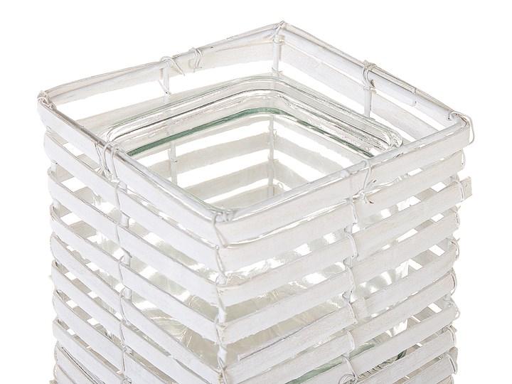 Zestaw 3 świeczników białe drewniane kwadratowe wysokie różne rozmiary boho design szklany pojemnik Kolor Biały Metal Żelazo Szkło Drewno Kategoria Świeczniki i świece