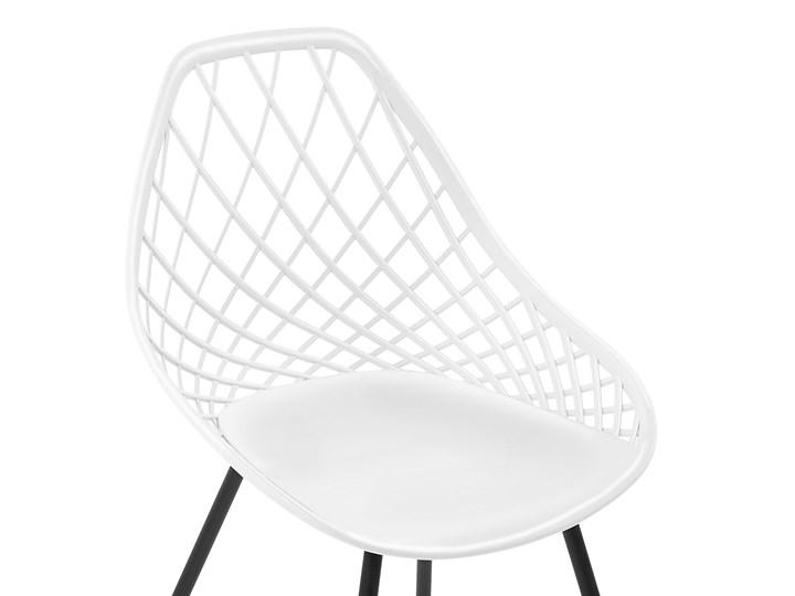 Zestaw 2 krzeseł białych tworzywo sztuczne czarne metalowe nogi styl nowoczesny skandynawski Pomieszczenie Jadalnia Kolor Czarny