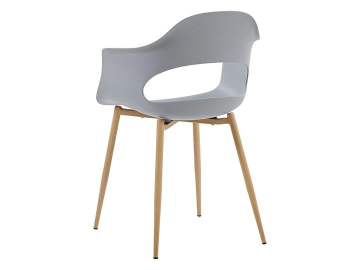 Zestaw 2 krzeseł szarych plastikowych nóżki jasne drewno ozdobne do jadalni styl skandynawski Szerokość 54 cm Metal Głębokość 47 cm Tworzywo sztuczne Wysokość 81 cm Pomieszczenie Jadalnia