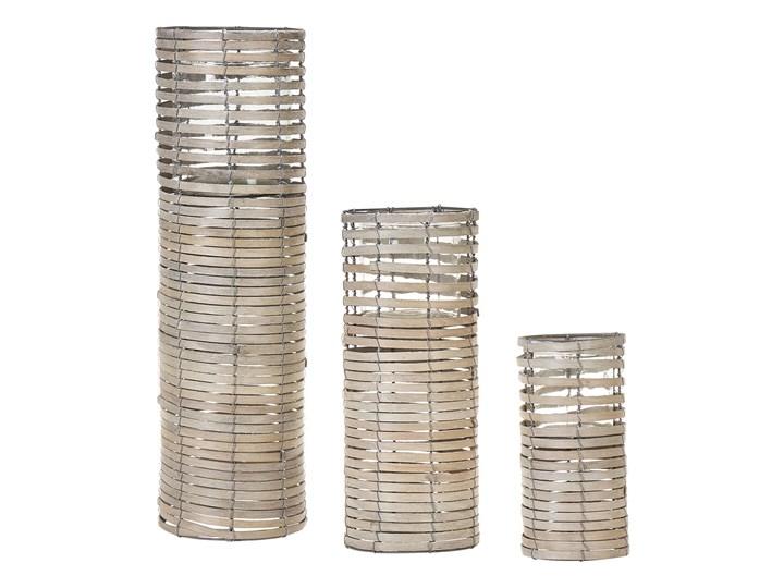 Zestaw 3 świeczników jasne drewno kwadratowe wysokie różne rozmiary boho design szklany pojemnik Żelazo Metal Szkło Kategoria Świeczniki i świece