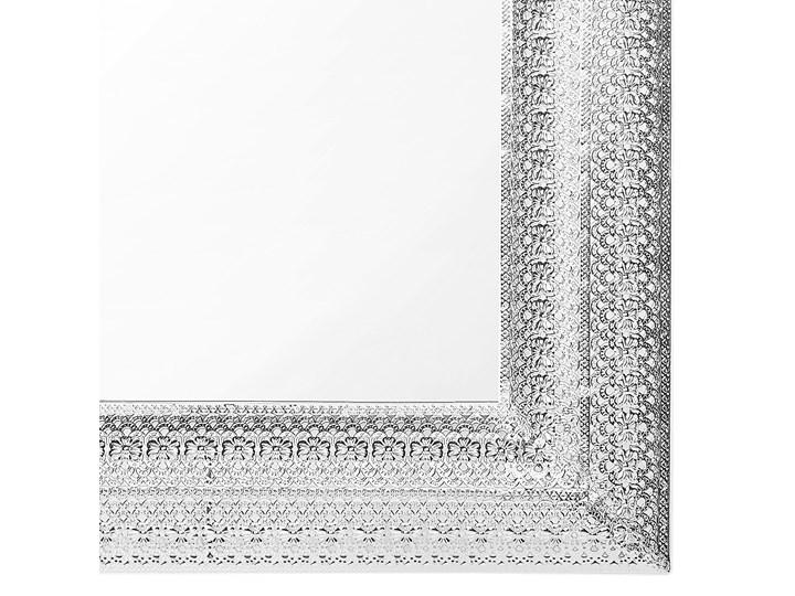 Lustro ścienne wiszące srebrne 70 x 90 cm prostokątne vintage retro sypialnia salon łazienka Lustro z ramą Kolor Srebrny
