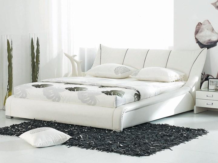 Łóżko białe skórzane 160 x 200 cm stelaż wysoki zagłówek nowoczesne Łóżko skórzane Kolor Biały