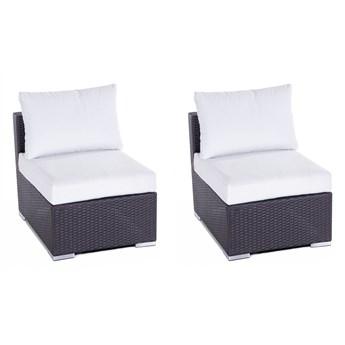 Zestaw 2 krzeseł do ogrodu brązowe technorattan białe poduszki poliester bez podłokietników nowoczesny wygląd