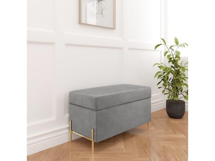 Jasnoszara tapicerowana ławka Dancan BORGO z pojemnikiem, na złotych metalowych nogach Pomieszczenie Salon Pomieszczenie Sypialnia