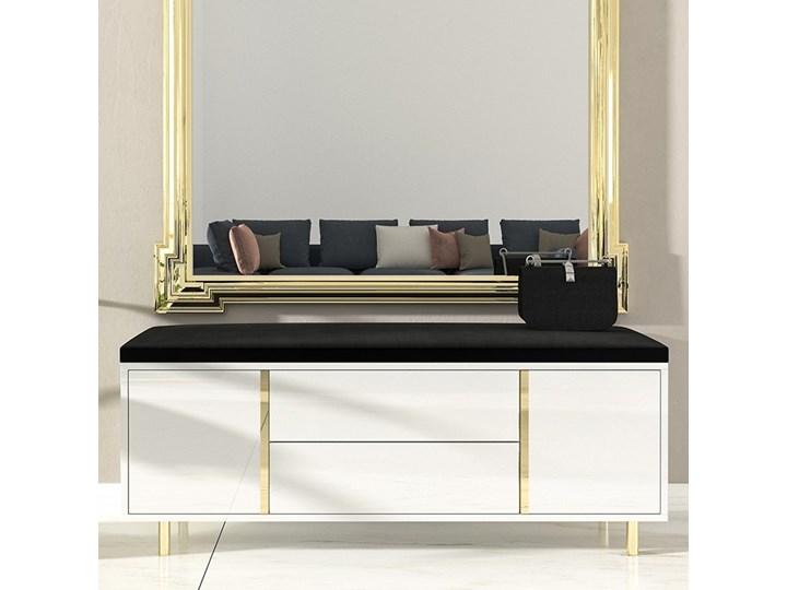 Elegancka biała szafka na buty Dancan CAROLINE z tapicerowanym siedziskiem, na złotych nóżkach