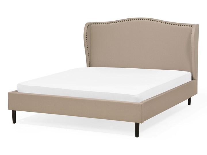 Łóżko ze stelażem tapicerowane beżowe 140 x 200 cm z zagłówkiem styl glamour Łóżko tapicerowane Kategoria Łóżka do sypialni Kolor Beżowy