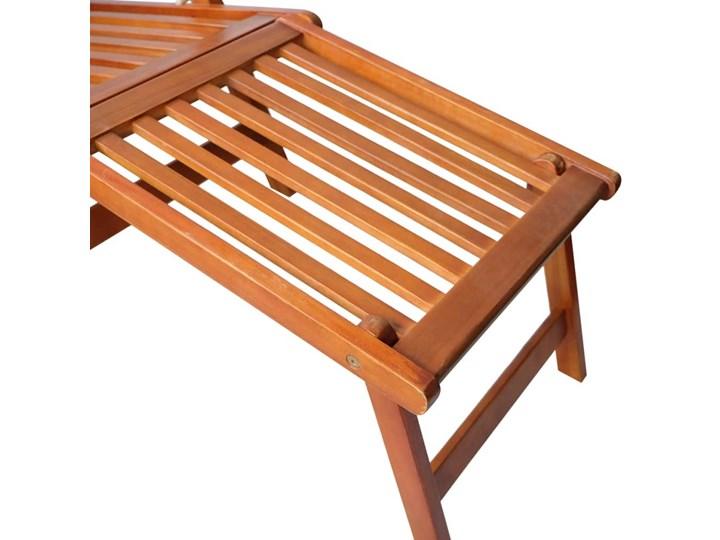 vidaXL Leżak tarasowy z podnóżkiem i poduszką, lite drewno akacjowe Kolor Brązowy Styl Rustykalny