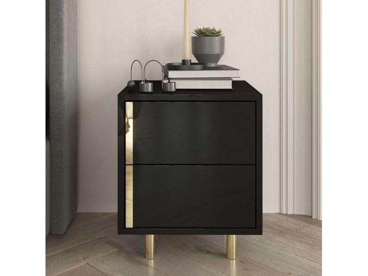 Elegancka czarna szafka nocna Dancan CAROLINE ze złotymi dodatkami