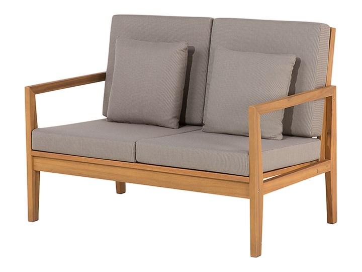 Zestaw ogrodowy brązowy jasne drewno akacjowe 2 ławki 1 fotel 1 leżak 1 stół poduchy retro Kategoria Zestawy mebli ogrodowych Zestawy kawowe Tworzywo sztuczne Zestawy wypoczynkowe Zawartość zestawu Fotele