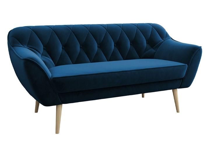 Skandynawska trzyosobowa sofa na wysokich nóżkach PIRS 3 ciemnoniebieska