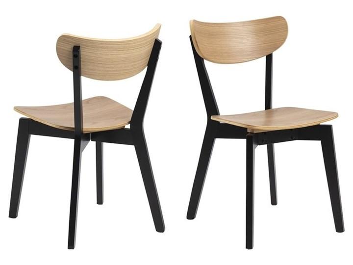 Krzesło Oto dębowe nogi czarne Wysokość 79 cm Styl Skandynawski Głębokość 55 cm Głębokość 37 cm Szerokość 45 cm Drewno Styl Industrialny