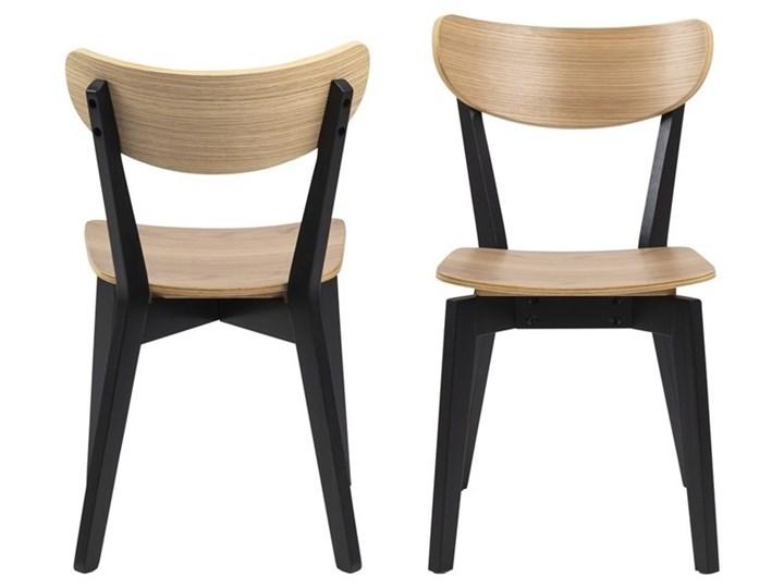 Krzesło Oto dębowe nogi czarne Głębokość 55 cm Drewno Wysokość 79 cm Styl Skandynawski Szerokość 45 cm Głębokość 37 cm Styl Industrialny