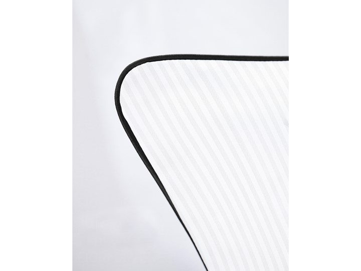 Pościel adamaszkowa SAN ANTONIO – z czarną lamówką - 200 x 220 Kategoria Komplety pościeli 200x220 cm Bawełna Satyna Kolor Czarny