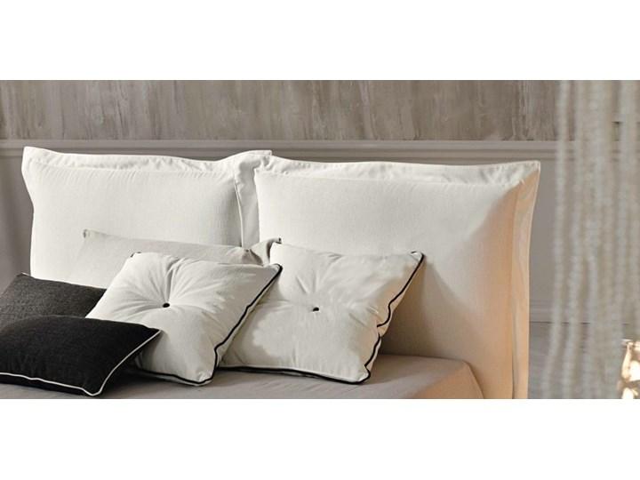 Łóżko tapicerowane SZYMEK  140x200 cm DWUSTRONNE WEZGŁOWIE Kolor Biały Tkanina Drewno Kategoria Łóżka do sypialni