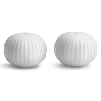 Zestaw białej solniczki i pieprzniczki z porcelany Kähler Design Hammershoi