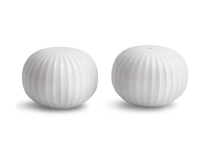 Zestaw białej solniczki i pieprzniczki z porcelany Kähler Design Hammershoi Ceramika Szkło Kolor Biały Zestaw do przypraw Solniczka i pieprzniczka Kategoria Przyprawniki
