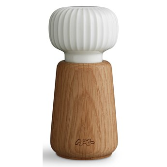 Młynek do przypraw z drewna dębowego z białym porcelanowym detalem Kähler Design Hammershoi, wys. 13 cm