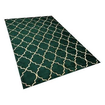 Dywan zielony ze złotym wzorem marokańska koniczyna wiskoza z bawełną 140 x 200 cm styl nowoczesny glamour Beliani