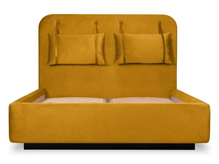 Łóżko Rejse (160x200) welurowe (Vocal - tkanina welwetowa:vocal/Vocal 08) Kategoria Łóżka do sypialni Łóżko tapicerowane Drewno Ekoskóra Metal Kolor Beżowy