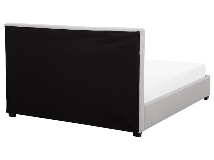 Łóżko jasnoszare tapicerowane 160 x 200 cm z pojemnikiem i stelażem pikowany zagłówek Łóżko tapicerowane Kategoria Łóżka do sypialni Kolor Szary