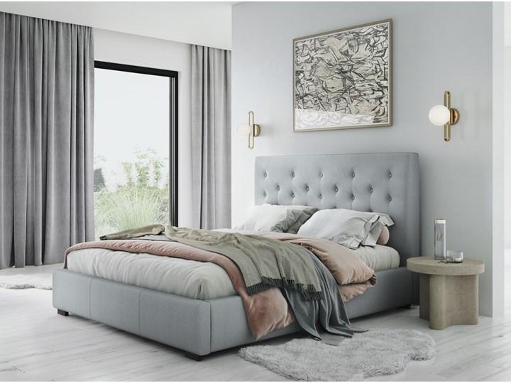 Łóżko z pojemnikiem Seri 140x200 cm jasnoszare Łóżko tapicerowane Zagłówek Z zagłówkiem Łóżko pikowane Kolor Szary
