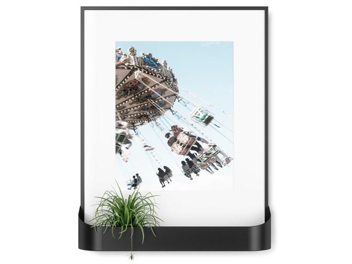 Ramka na zdjęcia z półką Matinee 31x39 cm czarna Tworzywo sztuczne Kolor Czarny Kategoria Ramy i ramki na zdjęcia