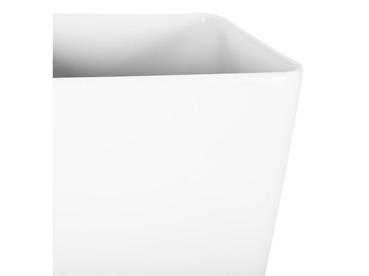 Doniczka biała mieszanka gliny 30 x 30 x 57 cm kwadratowa wysoka dekoracyjna do domu i na taras Doniczka na kwiaty Kolor Biały Włókno szklane Kategoria Doniczki i kwietniki