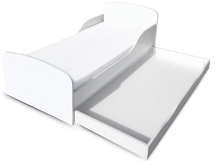 Białe łóżko drewniane z materacem i szufladą 140/70 cm Drewno Kolor Biały