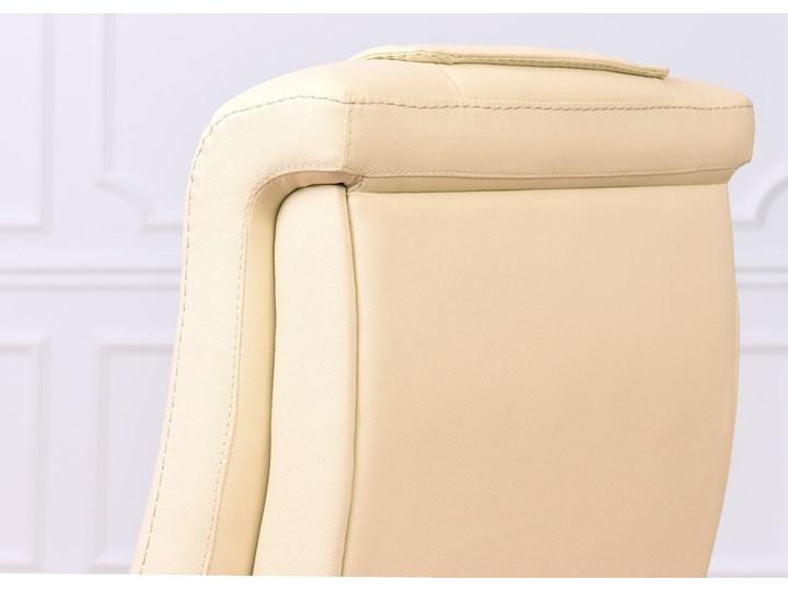 Fotel skórzany Prestige, kremowy Tkanina Tworzywo sztuczne Szerokość 75 cm Głębokość 89 cm Wysokość 115 cm Skóra Drewno Tapicerowane Wysokość 122 cm Metal Z podłokietnikiem Kolor Beżowy