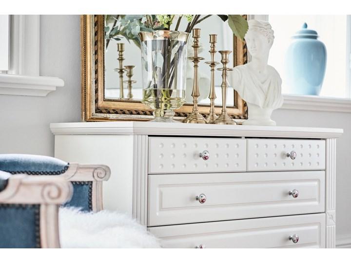 Komoda Victoria805, biała, 5 szuflad Wysokość 75 cm Szerokość 100 cm Głębokość 46 cm Kolor Biały Kategoria Komody