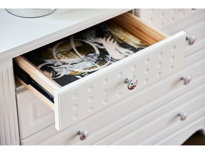 Komoda Victoria805, biała, 5 szuflad Szerokość 100 cm Wysokość 75 cm Kolor Biały Głębokość 46 cm Kategoria Komody
