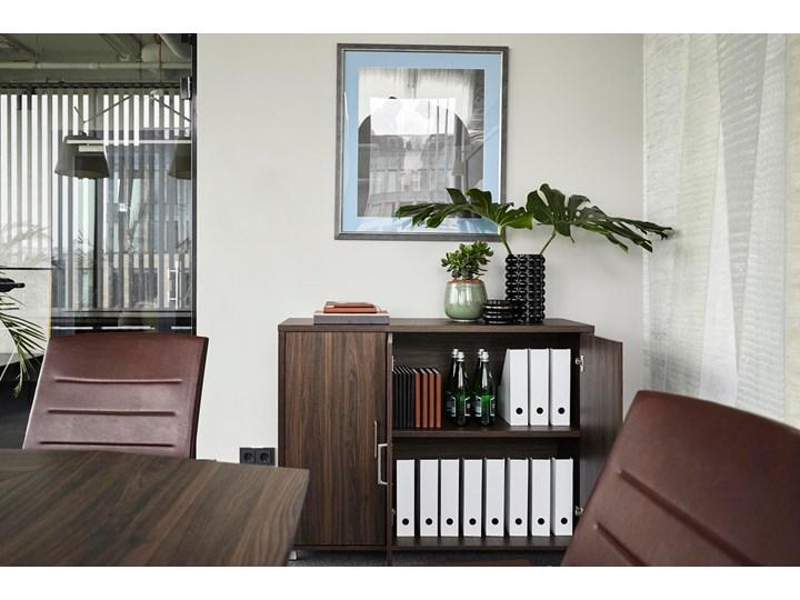 3-drzwiowa komoda Platinum A12 ciemny orzech Wysokość 80 cm Szerokość 120 cm Głębokość 40 cm Kategoria Komody
