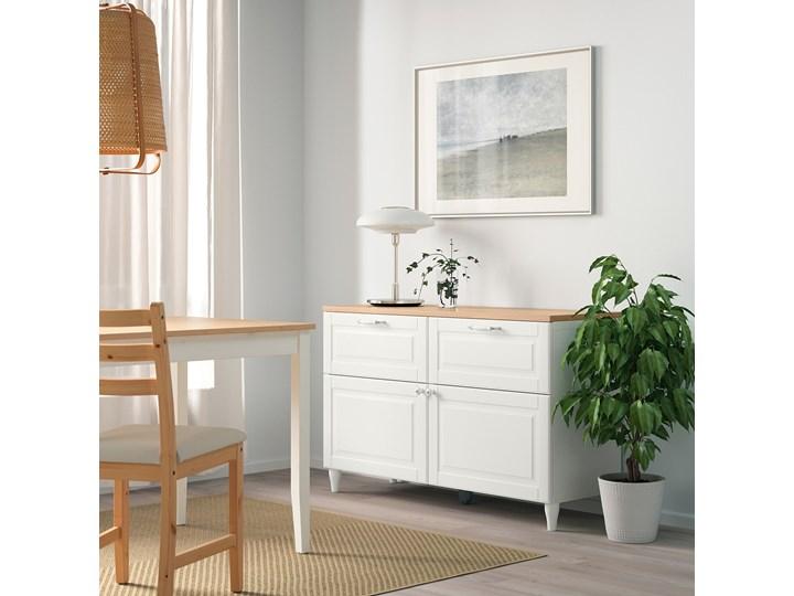 IKEA BESTÅ Kombinacja regałowa z drzw/szuf, Biały/Smeviken/Kabbarp biały, 120x42x76 cm Drewno Głębokość 42 cm Kategoria Komody Szerokość 120 cm Płyta MDF Kolor Beżowy