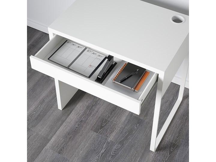 IKEA MICKE Biurko, Biały, 73x50 cm Płyta MDF Głębokość 73 cm Szerokość 73 cm Kategoria Biurka