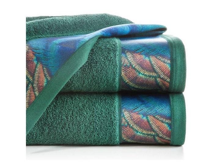 Ręcznik Eva Minge Camila ciemny zielony w rozmiarze 70x140 z drukowaną bordiurą
