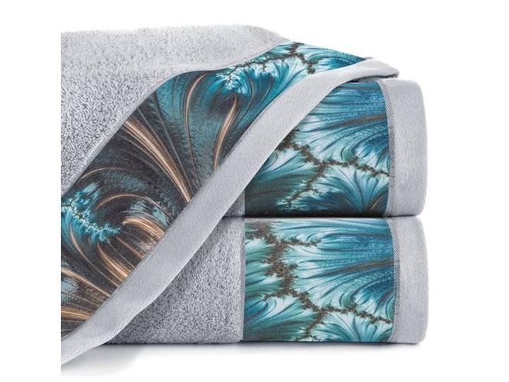 Ręcznik Eva Minge Chiara srebrny w rozmiarze 70x140 z drukowaną bordiurą