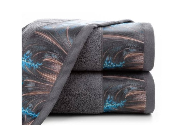 Ręcznik Eva Minge Chiara stalowy w rozmiarze 70x140 z drukowaną bordiurą
