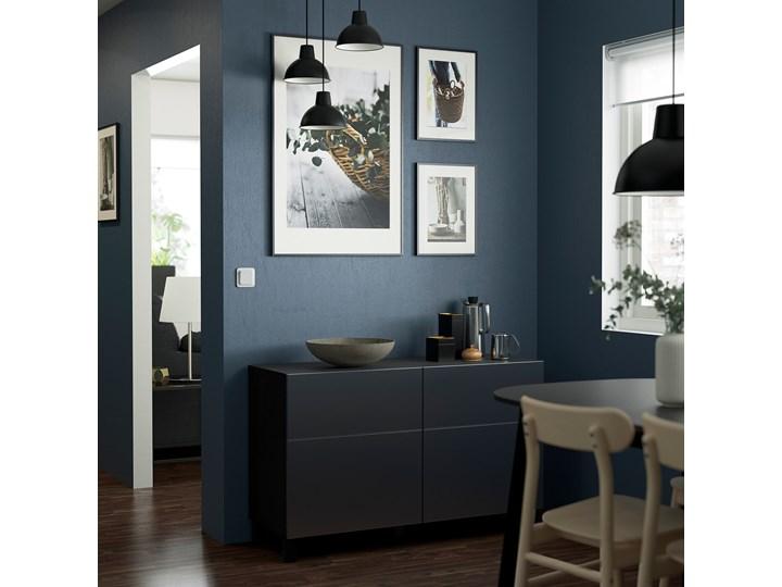 IKEA BESTÅ Kombinacja regałowa z drzw/szuf, Czarnybrąz/Riksviken/Stubbarp efekt szczotkowanej ciemnej cyny, 120x42x74 cm Głębokość 42 cm Kategoria Komody Płyta MDF Szerokość 120 cm Kolor Szary