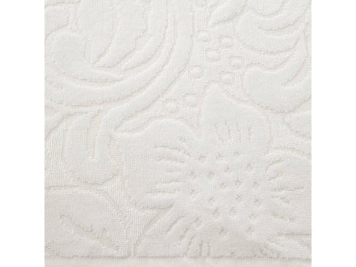Welurowy ręcznik kąpielowy 70x140 kremowy 390 g/m2 elegancki zdobiony na całej powierzchni żakardowym wzorem kwiatowym 70x140 cm Bawełna Frotte Kolor Beżowy