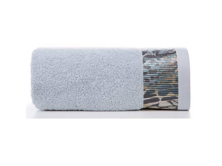 Ręcznik Eva Minge Carla srebrny w rozmiarze 50x90 z drukowaną bordiurą